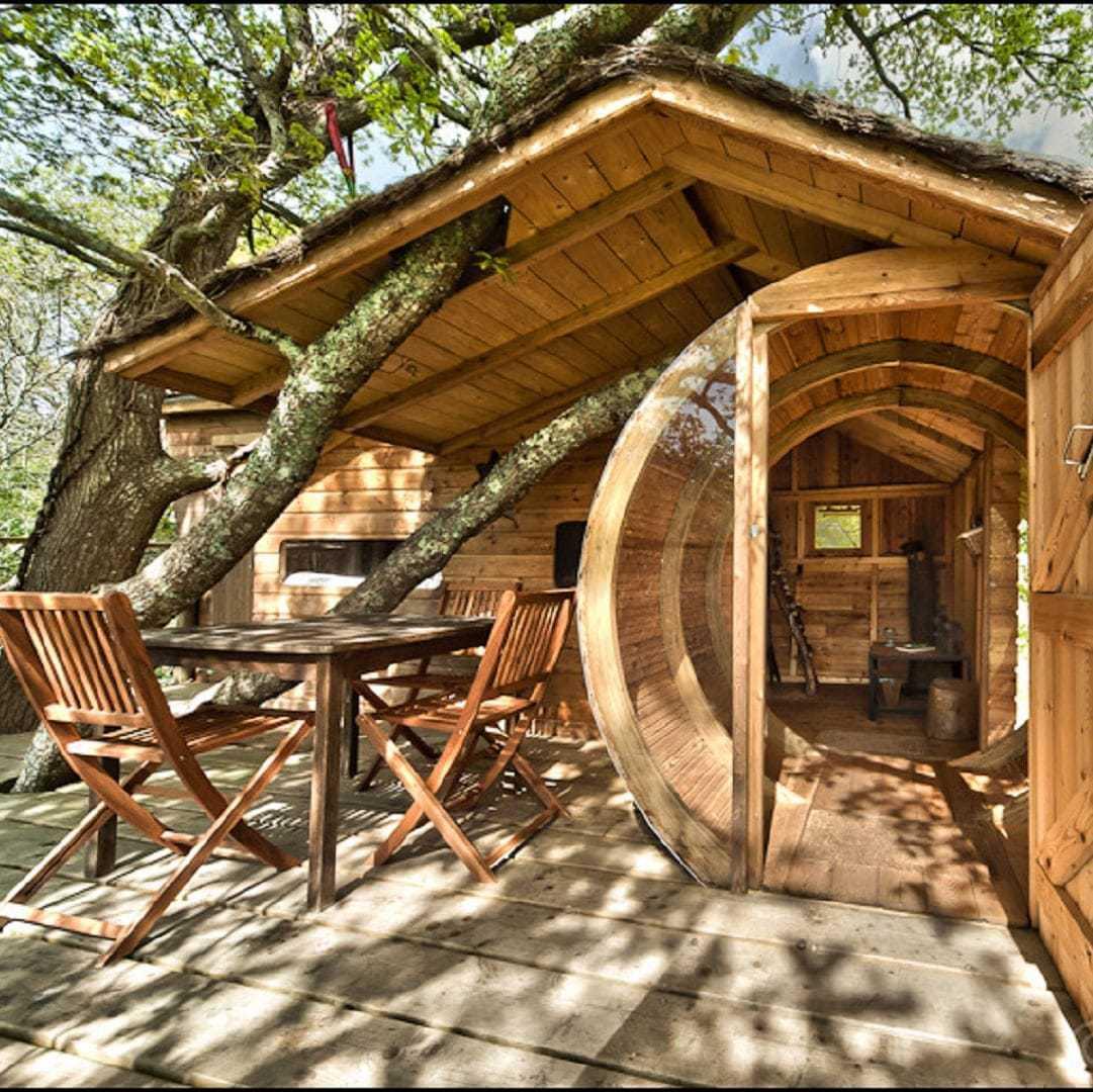 Cabane dans les arbres, logement insolite pour les vacances