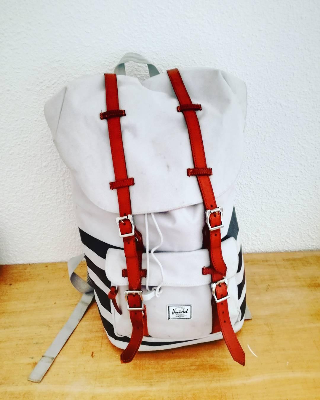 Préparer son sac pour voyager léger sans polluer