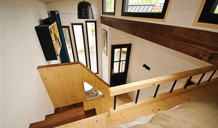 Vue intérieure de la tiny house Escapade de l'entreprise Baluchon